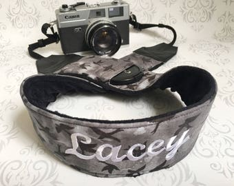 Personalized DSLR Minky Camera Strap, Padded with Lens Cap Pocket, Nikon, Canon, DSLR Photography, Photographer Gift - Black Birds & Black