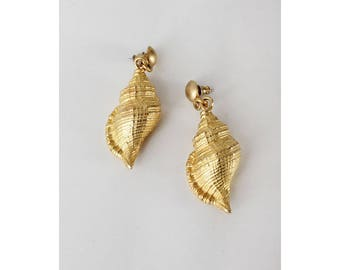 Gold Shell Earrings • Vintage Shell Earrings • 80s Earrings • Fun Dangly Earrings • Vintage Dangle Earrings • Shell Earrings Gold | E249
