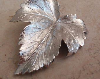 Maple Leaf Brooch Sterling Silver Wells Sycamore Vintage V0744