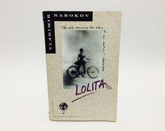 Vintage Classics Book Lolita by Vladimir Nabakov 1989 Softcover