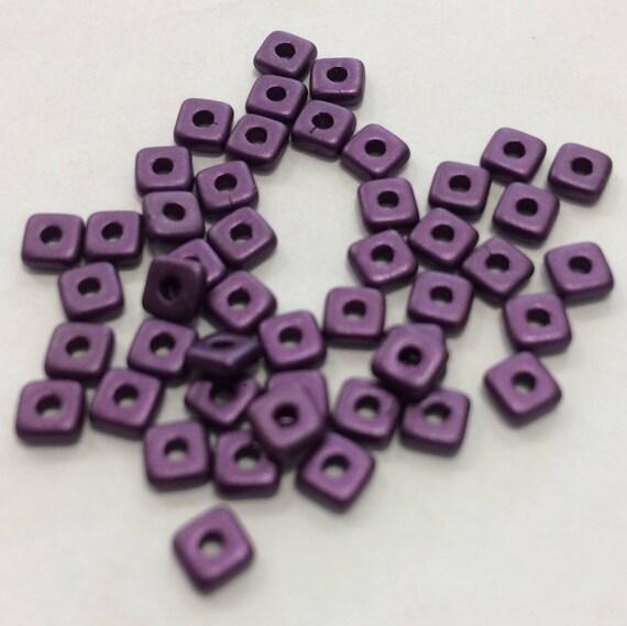 Czech Quad Beads Pastel Bordeaux 5g (approx 110 beads)