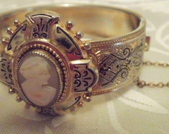 Vintage bracelet,  cameo bracelet, bracelet, taille d'epergne bracelet, cameo jewelry, hinged bracelet,vintage jewelry