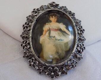 Vintage brooch/pendant, Victorian girl with flowers on porcelain brooch, retro brooch, vintage pendant