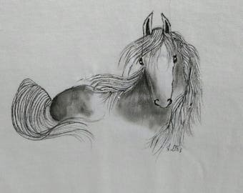 Beautiful hand drawn horse on a ladies tee shirt size extra large