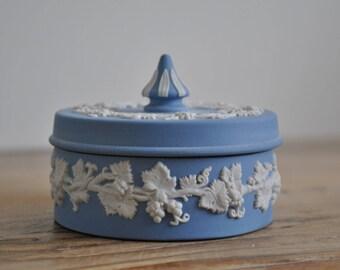 Vintage Wedgwood Jasperware blue & white trinket box - Grapevine - Spike - Jasper Ware
