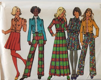 "70s Vintage Sewing Pattern for Bomber Jacket, Pleated Maxi Skirt, and Pants with Cuffs - Size 12 Bust 34"" (87 cm) Simplicity 5198"