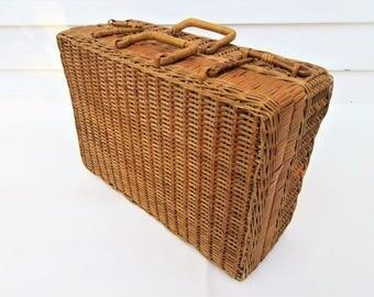 Picnic suitcase | Etsy
