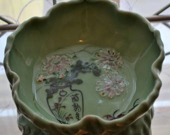 Vintage Hand Made and Painted Chinese Green Leaf Dish with Oriental Vase, Mums and Crabs