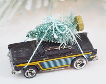 Hot Rod Christmas Tree Hauler Decorated Vintage Diecast 1950's Chevy Bottle Brush Tree Chistmas Decoration Black Aqua Gold Hot Wheels