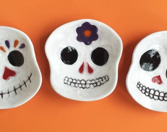 Small Sugar Skull ceramic dish, catchall, candy dish, spoonrest, soap dish, Day of the Dead