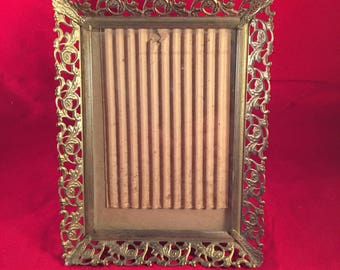 Ornate Beautiful Antique Victorian Styled Metal 5 x 7 Picture Frame