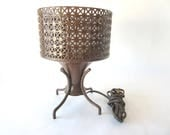 Mid Century Modern Accent Lamp Atomic Reticulated Wire Mesh Footed Table Lamp