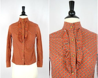 Summer Sale Vintage red paisley ruffle front blouse / retro button down top