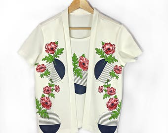 Vintage 1970s Graphic Tshirt Cardigan Top size Medium