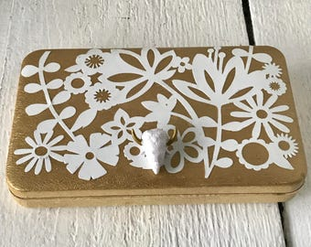 Vintage jewelry box gold clamshell white lace velvet inside embellished/ free shipping US