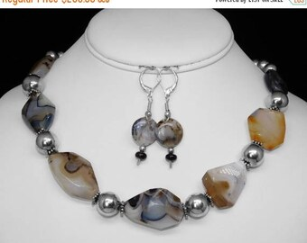 Yellowstone Montana Agate Necklace and Earring Set in Silver