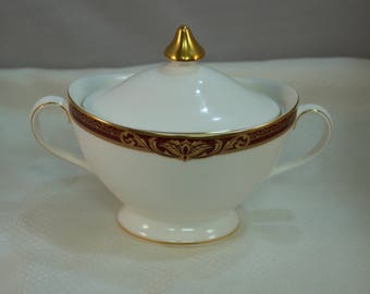 1996 Royal Doulton Tennyson Cover Sugar Bowl, Pattern H5249 Discontinued