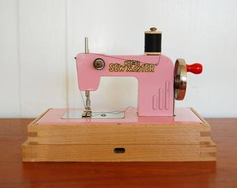 Children's  Pink Sewing Machine / Sew Master by KayanEE Made in Gremany 1940s