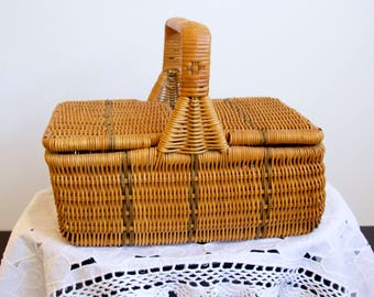 hinged and woven sewing/picnic basket