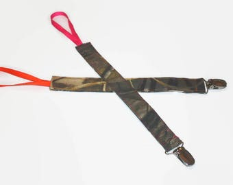Camouflage pacifier clips, binky clip, camo pacifier clip, mossy oak, realtree,max 4, hot pink, orange