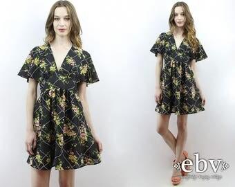 Babydoll Dress 70s Dress 1970s Dress Hippie Dress Hippy Dress Black Floral Dress Empire Waist Flutter Dress Black Dress Mini Dress M