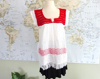 Vintage White Airy Cotton Gauze Floral Embroidered CROCHET Ethnic Mexican Folk Art Fiesta Peasant Top Red White