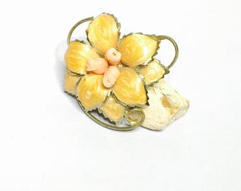 Vintage flower Brooch, enamel, coral, Gold tone, Clearance Sale, Item No. B038