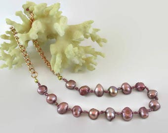 Dusty Rose Pearl Necklace - N190