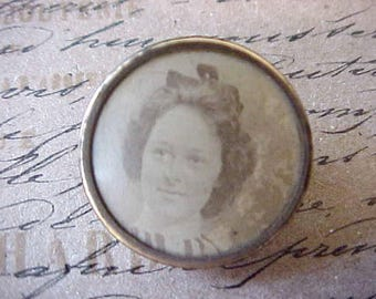 Sweet Little Victorian Photograph Brooch with Pretty Young Lady