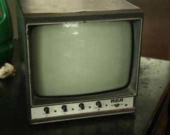 Vintage TV, Television, Television, Set Design, RCA, Working TV, Home Decor, Living Room
