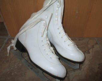 Spring Sale - Kids's White Skates, Vintage Ice Skates, Winter Sports, Christmas Decor, Winter, Winter Decor