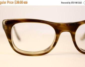 ON SALE Damaged Vintage 50's Tortoise Shell Cat Eyeglasses