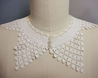 Vintage Hand Crocheted Collar   Mother of Pearl Buttons Detachable  Fashion Accessory