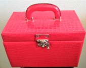 Mid Century Cosmetic Train Case - Make Up - Display Travel - Storage Suitcase