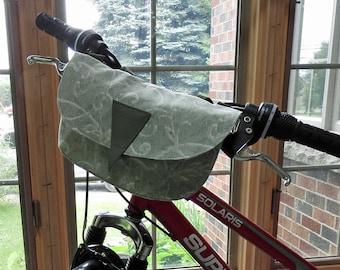 Bike Handlebar Bag / Cross shoulder Bag / Fanny Bag / Clutch Purse - Green Trellis