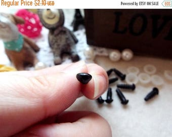 On Sale 7mm Triangle Safety nose Colored Doll nose Toy nose Doll Parts Animal nose Plush nose Teddy Bears nose Plastic nose - black - 10 pcs
