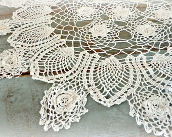 """vintage lace doily / hand crocheted doily / large doily / table doily / 21"""" / cottage decor / farmhouse decor / white lace with roses"""