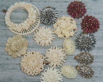 Lot of Vintage floral plastic floral pieces Fun Junk