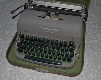 Remington Quiet-Riter Typewriter ~ Manual Typewriter ~ Portable Typewriter ~ Vintage Office