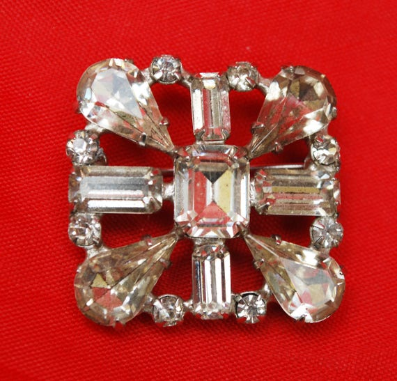Weiss Rhinestone Brooch - Ice Crystal stones - silver setting - Signed Weissco - Mid century Square   pin