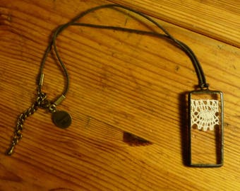 Rectangle pendant - 12 - antique lace and glass