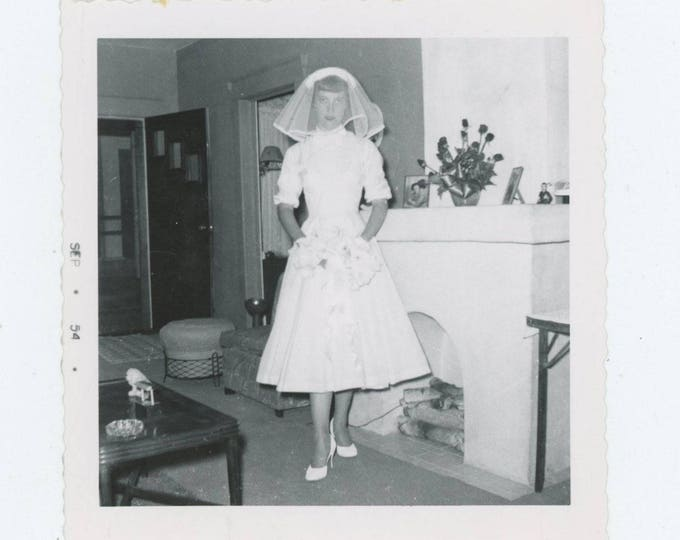 """Vintage Snapshot Photo: """"Delores, just before she left to get married"""" 1954 [82654]"""