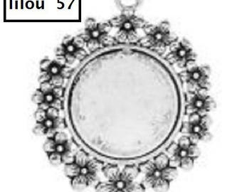 Medium flower 5.2x4.2cm Cabochon pendant