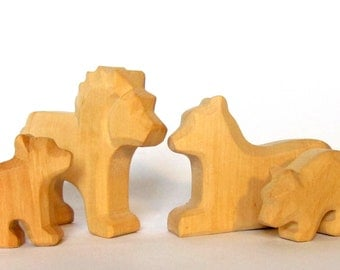 Lion Family, Lion, Lioness with two cubs, Wooden animals, Waldorf Toys