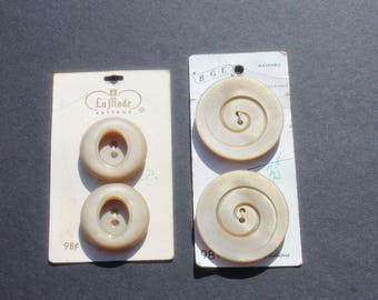 Vintage Large Beige Coat Buttons On Card, Round Plastic Buttons, Sewing Craft Buttons