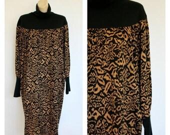 Sale Vintage DVF Animal Print Knit Dress / 1970's Diane Von Furstenberg Pocket Dress / DVF Italian Dress / Turtle Neck DVF Shift Dress One S