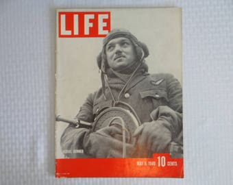 """Vintage 1940 Life Magazine Wartime Issue May 6 """"Aerial Gunner"""" - Royal Air Force"""