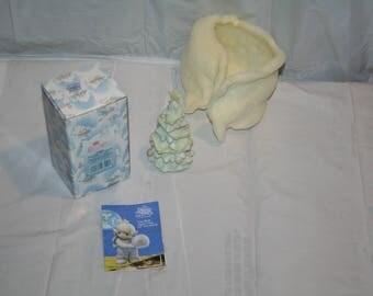 "Rare 1992 Precious Moments Sugar Town #528684 ""Christmas Tree Figurine"" Enesco Corporation / Made in Thailand"