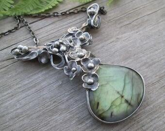 Handmade tinned copper pendant with labradorite cabachone