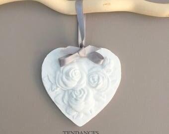 Heart and roses ceramic 9 x 8.5 cm